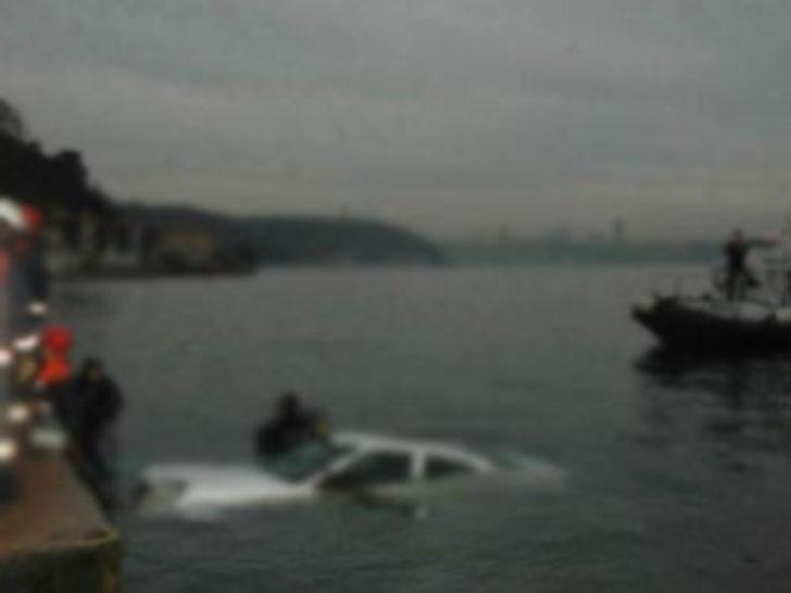 Otomobil denize uçtu: 2 ölü
