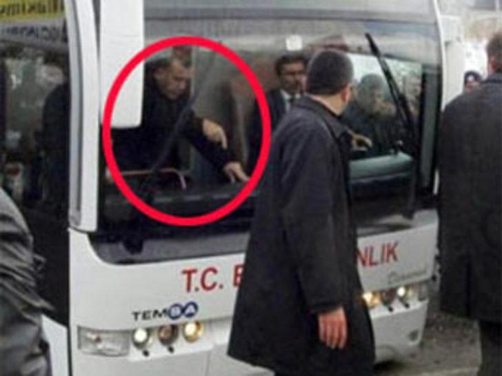 Erdoğan otobüste ne yapıyor?