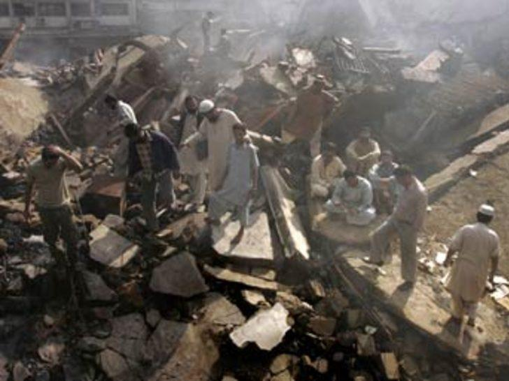 Pakistan voleybol maçına bomba: 88 ölü