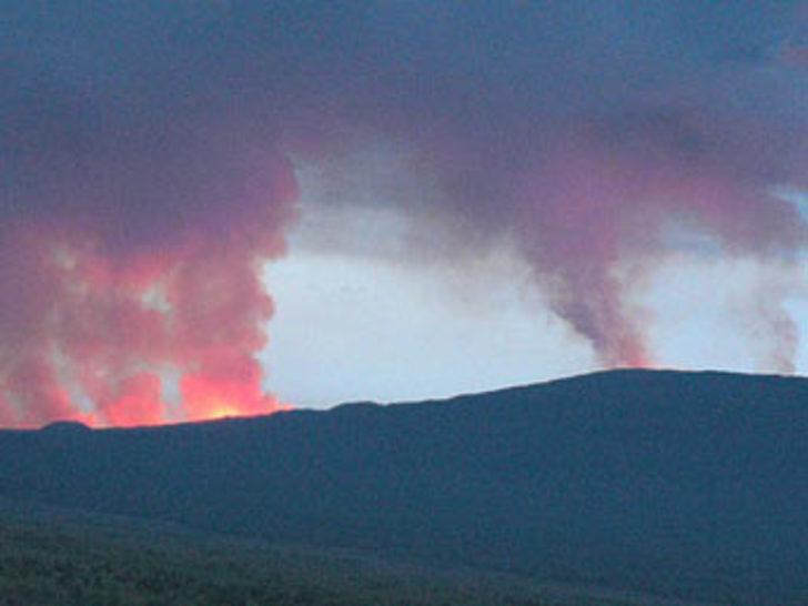 Nyamulagira volkanı patladı