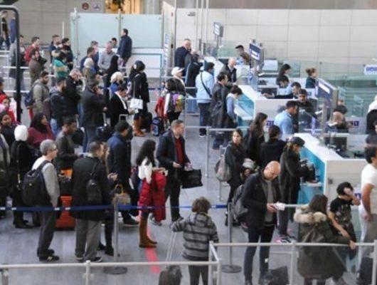 Yarıyıl tatili başladı havalimanları doldu taştı!