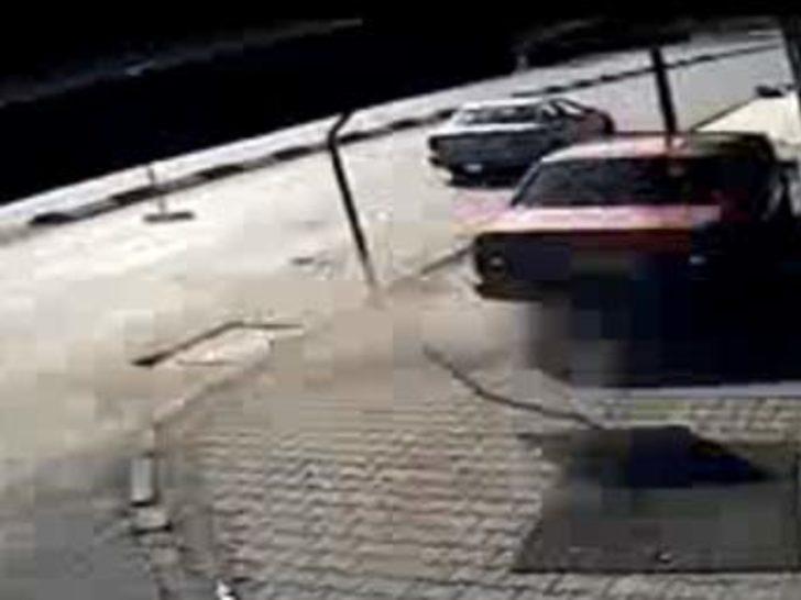 İnanılmaz kaza güvenlik kameralarında