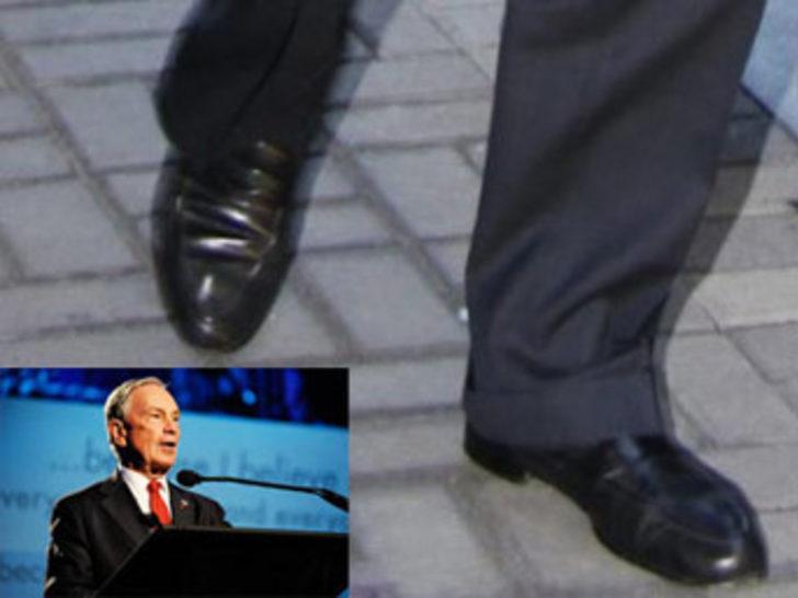 Milyar dolarları var, ayakkabısı yok!
