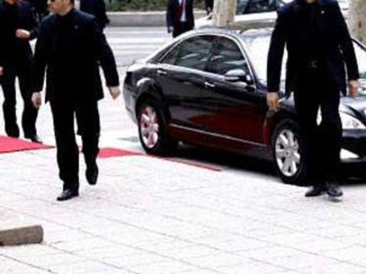 Başbakanlık korumalarının aracı çalındı