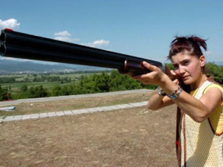 Milli atıcı, tüfeğiyle intihara kalkıştı