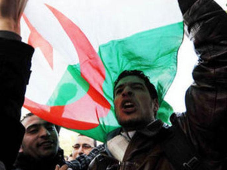 Cezayir'de olağanüstü hal kaldırıldı