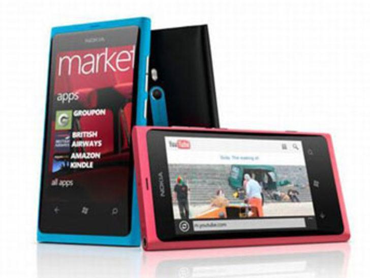 Nokia eski günlerini arıyor
