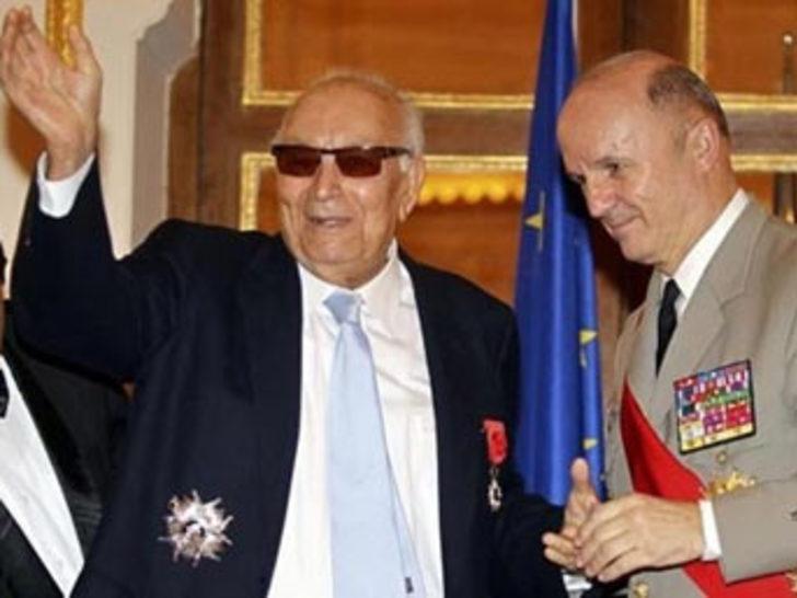 Fransa'dan Yaşar Kemal'e büyük onur