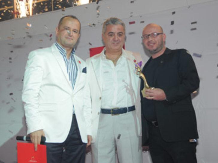 2011 Agency Awards'un Sahibi Yine Jolly Tur!