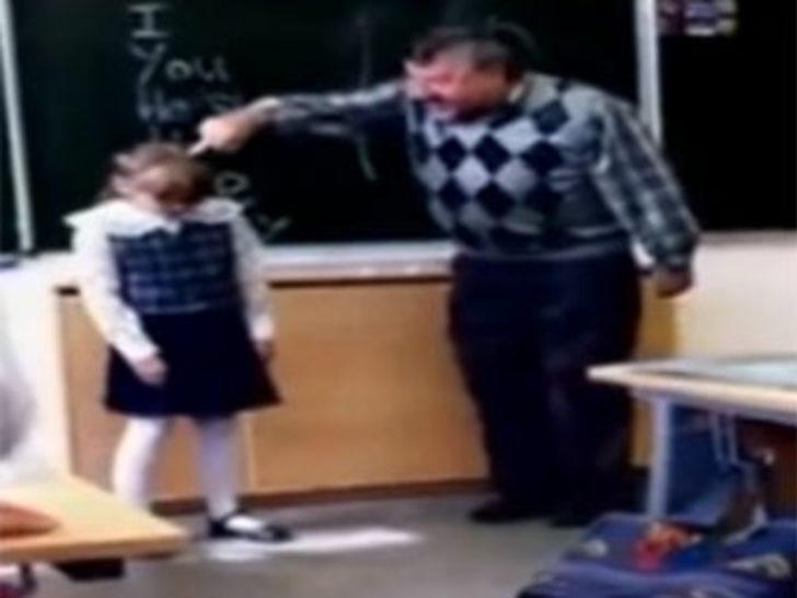 Kızgın öğretmene böyle tepki gösterdi