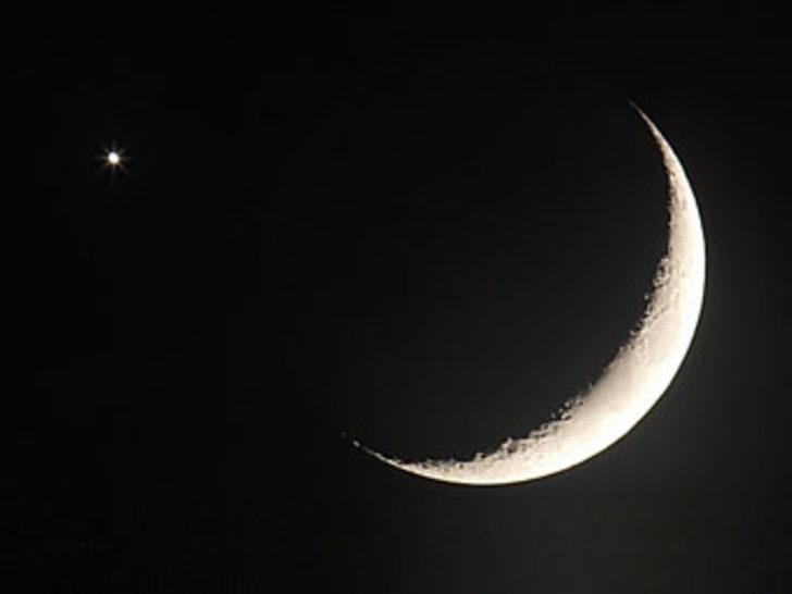 Kuyruklu yıldız, ay yıldız oluşturacak
