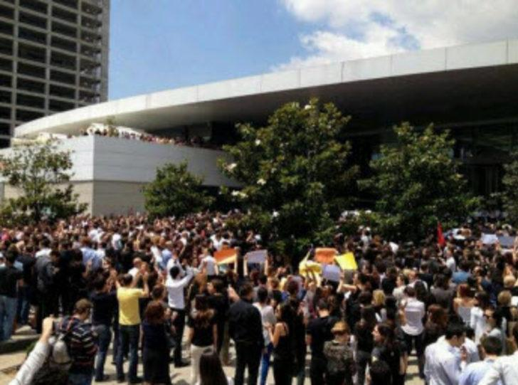 NTV önünde protesto NTV protesto haberleri