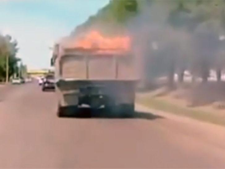 Yanan kamyonu böyle sürdü