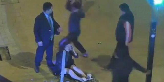 Sokak ortasında kadını döven adama meydan dayağı kamerada