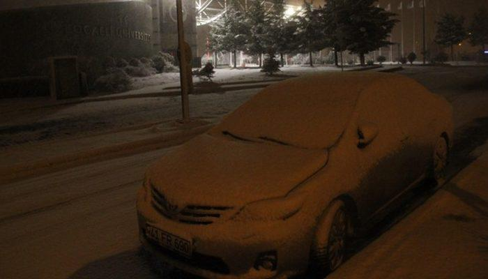 İstanbul'un yanı başında kar yağışı başladı!