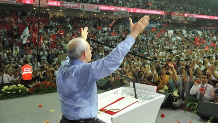 CHP'de kurultay günü: Çekişmeli Genel Başkanlık ve PM yarışı