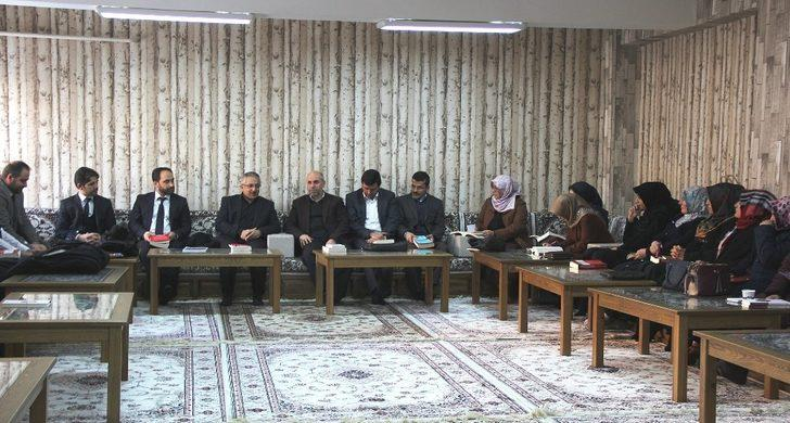 Vaiz ve vaizeler için 'İlmi Müzakere' toplantısı yapıldı