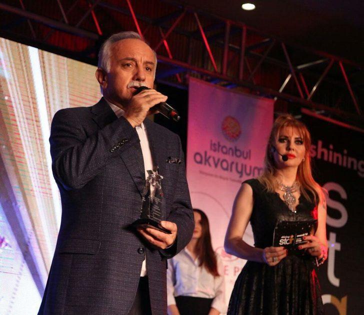 4 bin kişiyle oluşturulan kalpaklı Atatürk portresi ödül getirdi
