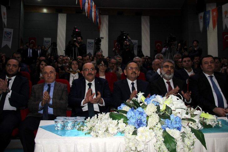 """Çevre ve Şehircilik Bakanı Mehmet Özhaseki: """"Milli meselede muhalefet olmaz"""""""