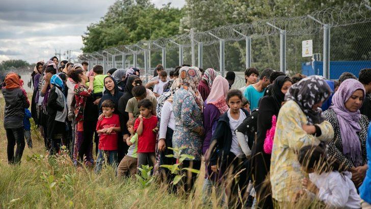 Macaristan BM'nin göçmen paketine karşı çıkıyor