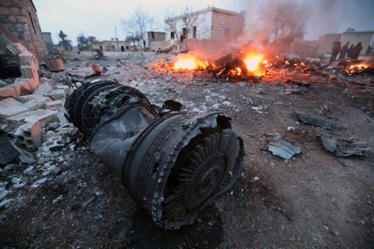 Son dakika: Suriyeli muhalifler Rus uçağını düşürdü