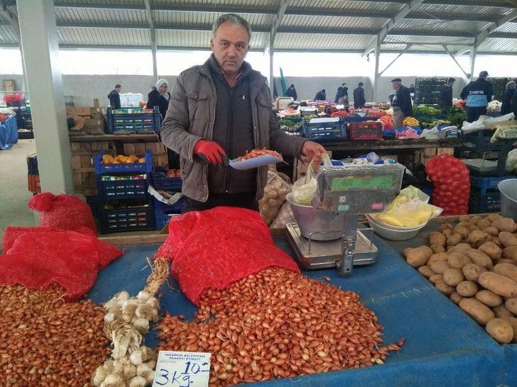 Tohumluk kuru soğan fiyatları yarı yarıya düştü