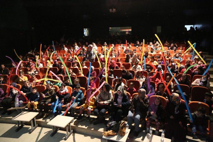 Niğde'de Çocuk Tiyatrosu Büyük İlgi Gördü