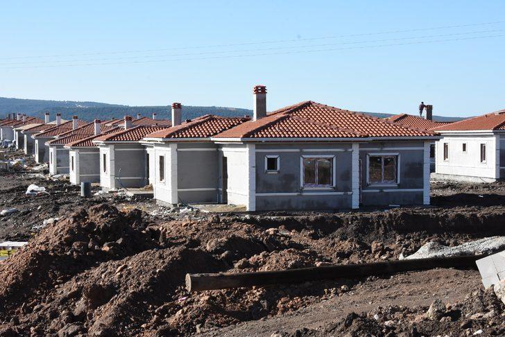 Ayvacıklı depremzedeler yeni evlerine kavuşuyor