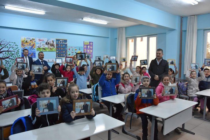 Başkan Karaçoban'dan öğrencilere anlamlı hediye