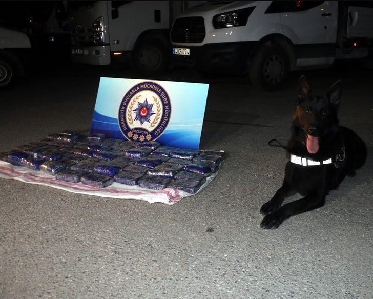 Narkotik köpeği 'Kurt', piyasa değeri 7 milyon TL'lik uyuşturucuyu yakaladı