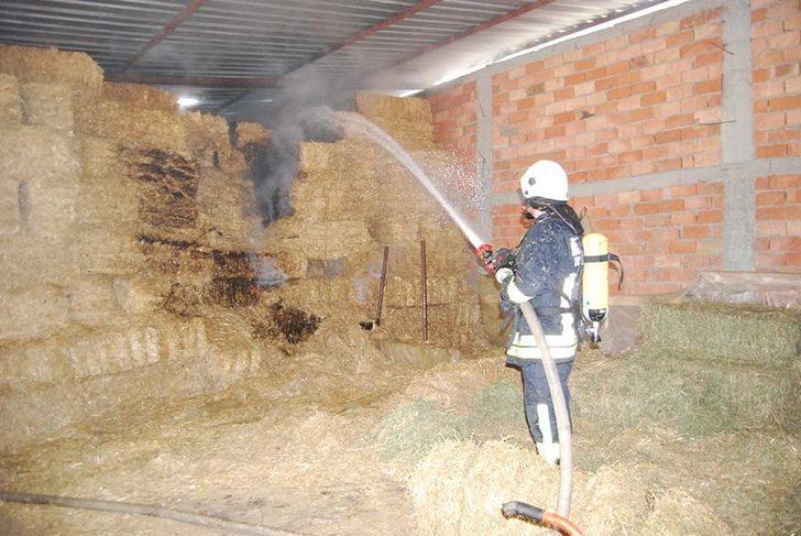 MHP ilçe başkanına ait çiftlikte korkutan yangın