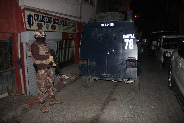 İstanbul'da birçok adrese eş zamanlı narkotik operasyonu düzenlendi
