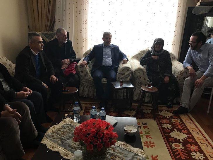 AK Parti'li Savaş'tan Rektör Bircan'a taziye ziyareti