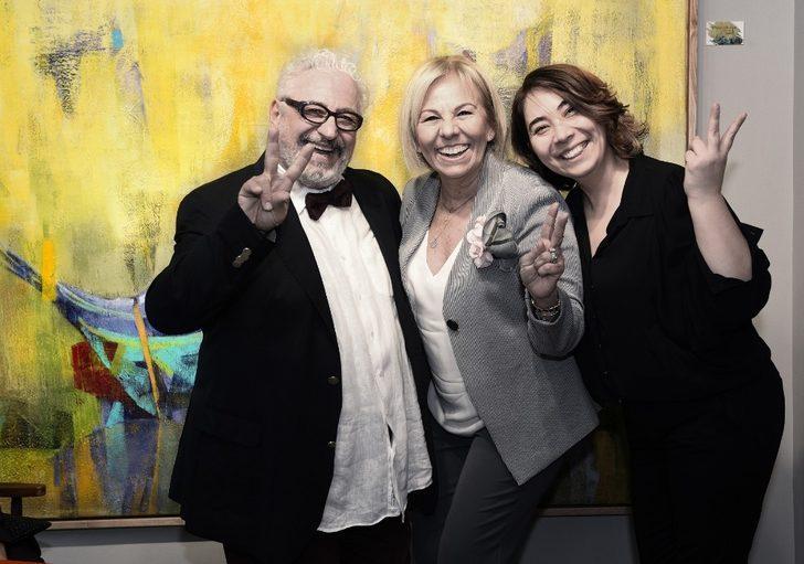 40 yılın ardından sanat galerisi açtı