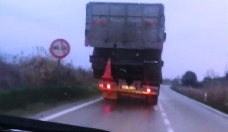 Çekiciye yüklenen kamyon kazaya davetiye çıkardı
