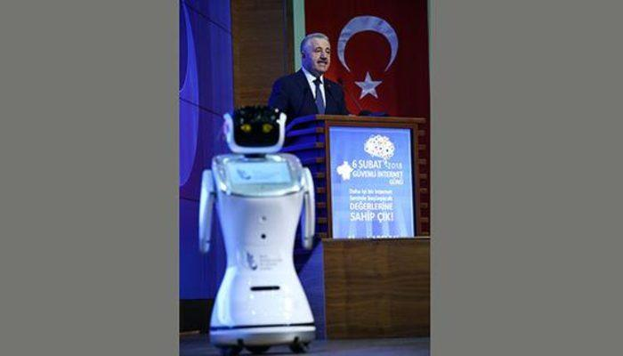 Bakan Arslan'ı uyaran robot, yeniden programlandı