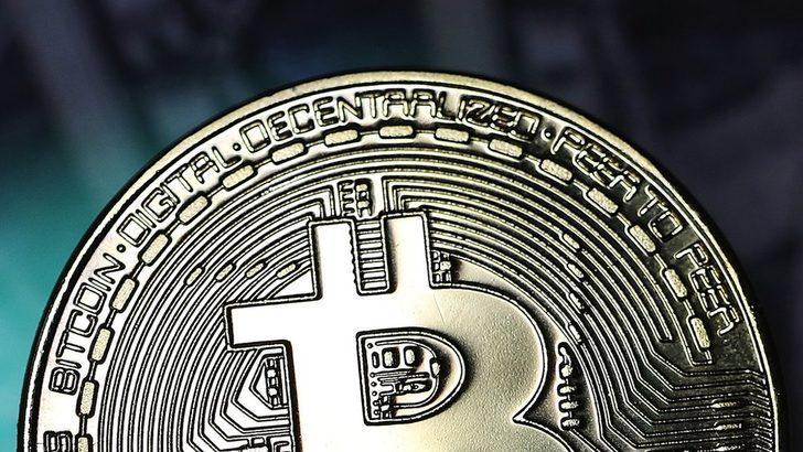 Bitcoin, Aralık zirvesinden %70 düşerek 6 bin doların altına indi