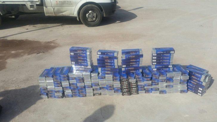 Polisten kaçan araçtan 2 bin paket kaçak sigara ele geçirildi