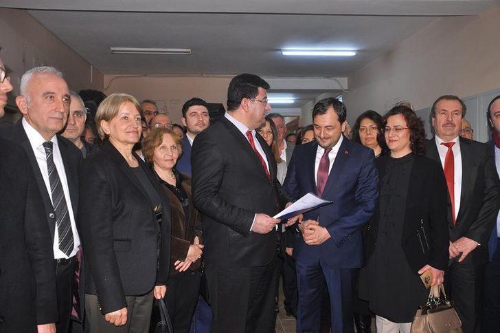 AK Parti İl Başkanı Yüksel, mazbatasını aldı