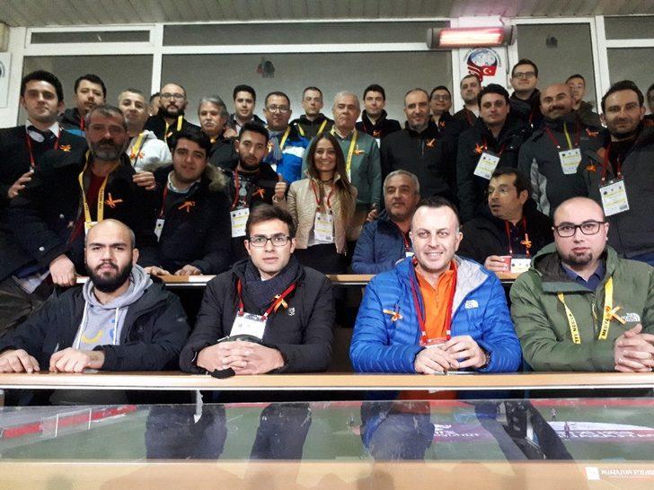Gazetecilerden kanser hastalarına destek