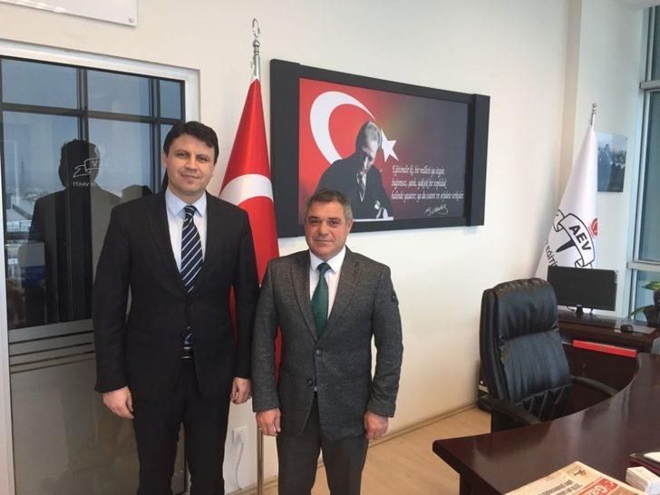 Cumhuriyet Savcısı Osman Çabuk, Afyon Eğitim Vakfı'nı ziyaret etti
