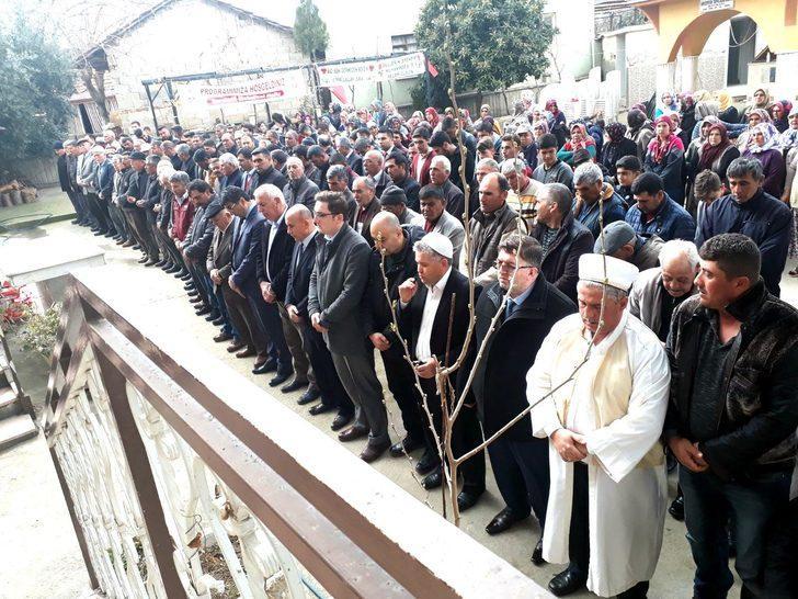 Sarıgöl'de çiftçiler yağmur için dua etti