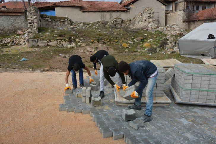 Seyitgazi Belediyesi'nden mahallelerde yoğun çalışma