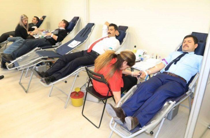 Adliye personeli kan bağışında bulundu