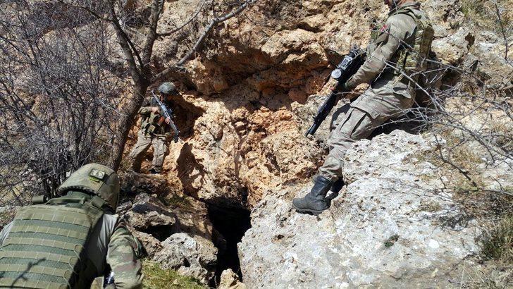 Şırnak'ta 14 mağara ve barınak imha edildi
