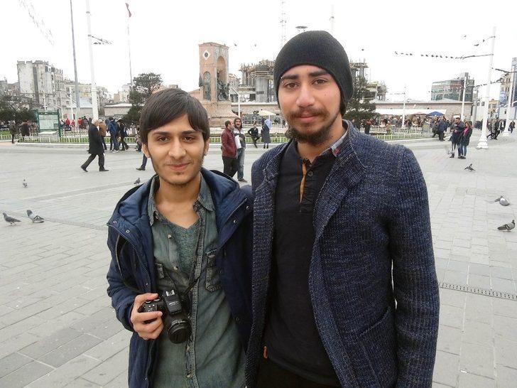 (Özel) Taksim Meydanı'nda  psikoloji öğrencilerinden ilginç sosyal deney