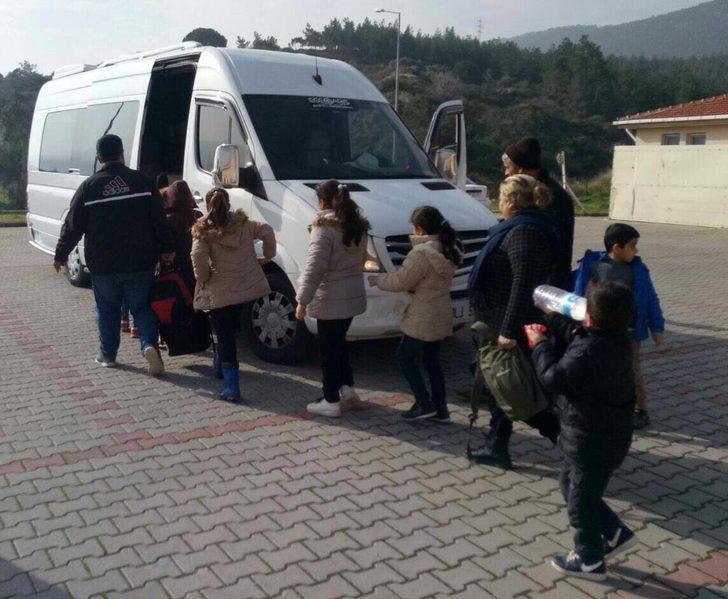 Dikili ve Foça'da 184 kaçak yakalandı
