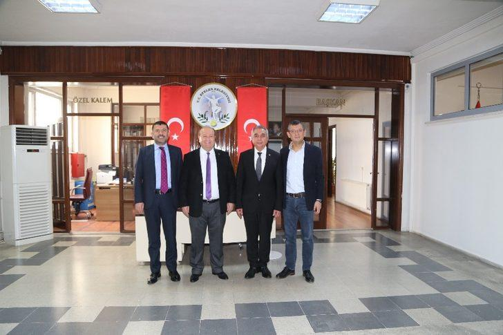 CHP Genel Merkezinden Başkan Özakcan'a ziyaret