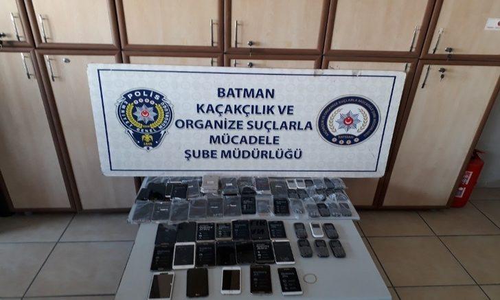 Batman'da 84 adet kaçak telefon ele geçirildi