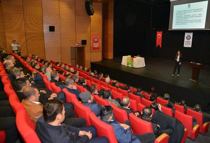 Diyarbakır'da otobüs şoförlerine 'Engellilerle iletişim' semineri